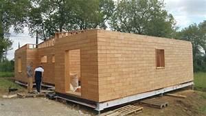 Maison écologique En Kit : cr ez votre propre maison cologique gr ce des briques en bois ~ Dode.kayakingforconservation.com Idées de Décoration