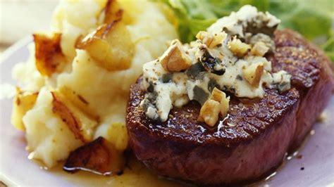 cuisine az com plat pavé d 39 autruche sauce roquefort et noix recette