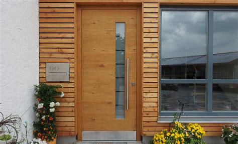 Inneneinrichtung Individuelle Haustueren Aus Holz by Haust 252 Ren Schreinerei Unterhuber