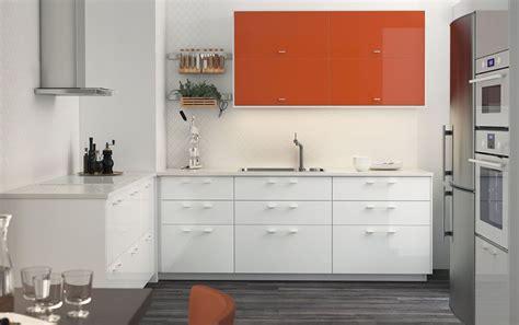 kitchen laminate floor a medium sized kitchen with orange high gloss doors 2115