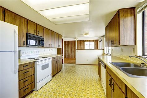 kitchen floor lino best ideas about linoleum kitchen floors on theflooringlady