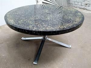 Table Basse Ronde Noire En Rsine Par Pierre Giraudon