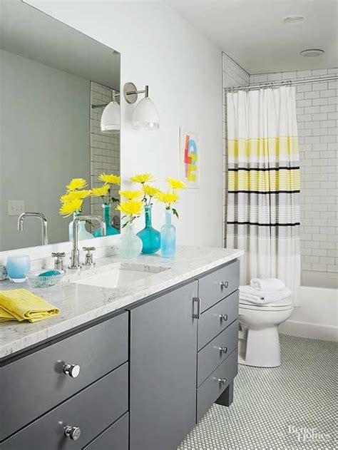yellow and grey bathroom ideas 25 best ideas about yellow bathroom accessories on