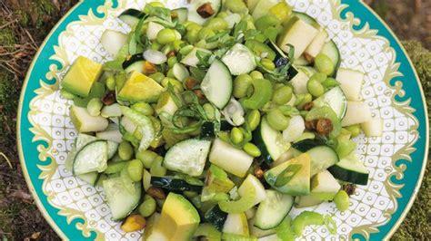 cuisine à la plancha recette de salade verte concombre poire céleri avocat