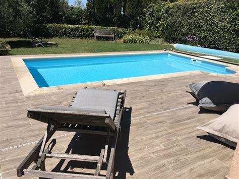 piscine carrelage imitation bois margelles en aix en provence carrelage int 233 rieur et