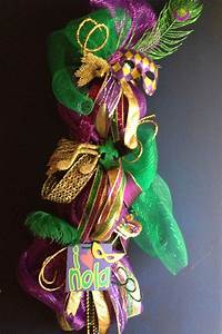Mardi Gras Candle & Decorations - family holiday net/guide