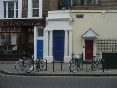 pay   notting hill blue door