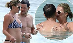 Mark Wahlberg packs on PDA with Rhea Durham in Barbados ...