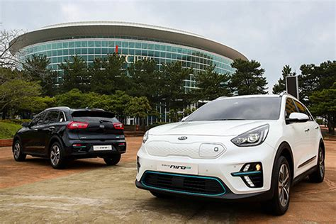mile range confirmed  kia  niro ev due  year