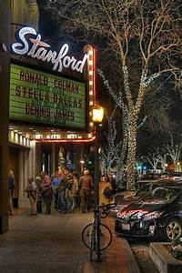 Stanford Theatre in downtown Palo Alto shows classic films ...