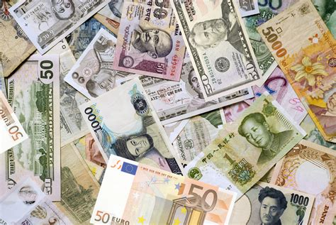 Should Currencies Be Allowed To Float Freely?