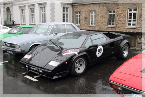1990 Lamborghini Countach  pictures, information and