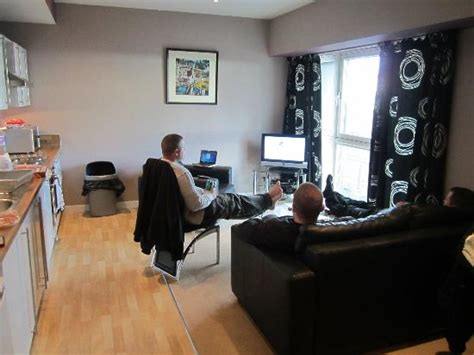 livingroom glasgow chilling in the living room picture of glasgow central apartments glasgow tripadvisor