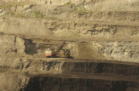 coal mining continues   bankruptcy