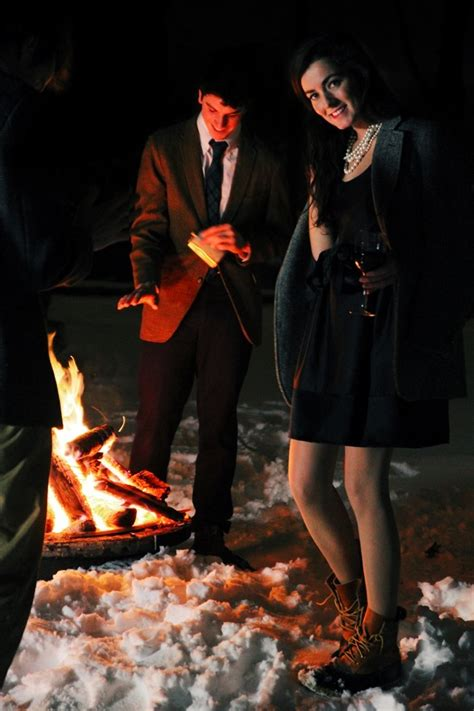What to Wear for Bonfire Party?18 Cute Bonfire Night Outfits