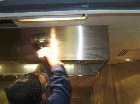 nettoyage inox cuisine nettoyer une hotte en inox swyze com
