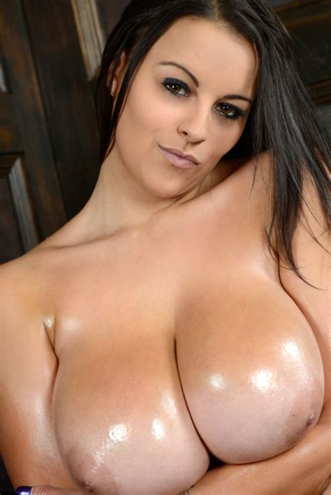 Huge boobs girl busty girls photos big boobs huge tits jpg 802x1200