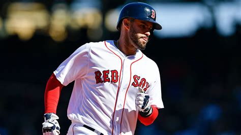 jd martinez admits red sox fans  heckled   home