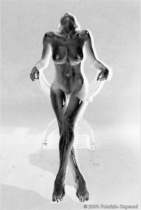 Nude Bronze by Fabrizio Capsoni :: Black & White Magazine