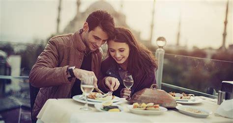 un repas en amoureux pour offrir un cadeau original recetteo