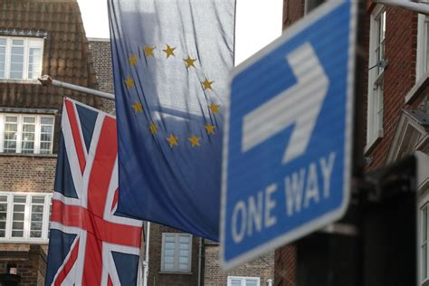 brexit poll britons  support  eu referendum   point margin