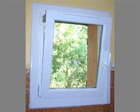 fenetre salle de bain oscillo battant solutions pour la d 233 coration int 233 rieure de votre maison
