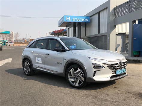 First Drive: 2019 Hyundai Nexo Fuel-Cell Vehicle ...
