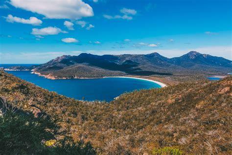 10 Very Best Things To Do In Tasmania Australia Hand