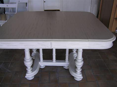 repeindre une table de cuisine en bois relookage meubles et fauteuils de style dans le 44