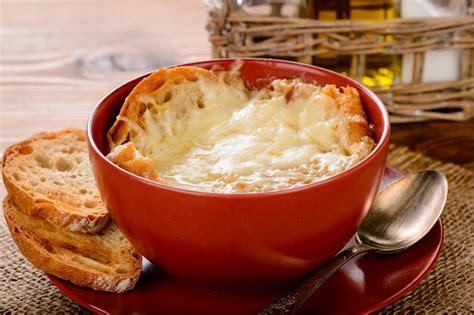recettes cuisine et vins de recette soupe à l oignon cuisine et vins de