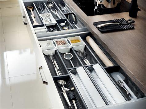 amenagement tiroir cuisine tiroir de rangement pour ustensiles de cuisine deco cuisine tiroir de rangement