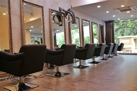 An ultimate guide to hair salons in Singapore - Connected To India