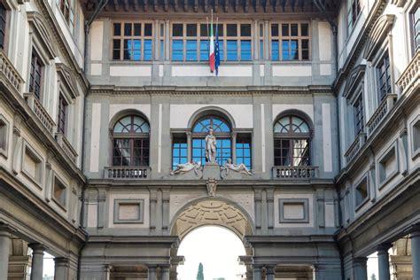 Ingresso Carnevale Viareggio Galleria Degli Uffizi A Firenze E Il Carnevale Di Viareggio
