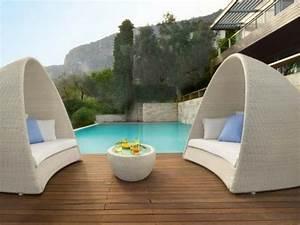 6 Creative Outdoor Furniture: Landscape Beauty