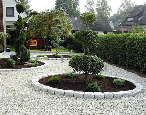 Moderner Garten Mit Steinen by Gartengestaltung Mit Zierkies