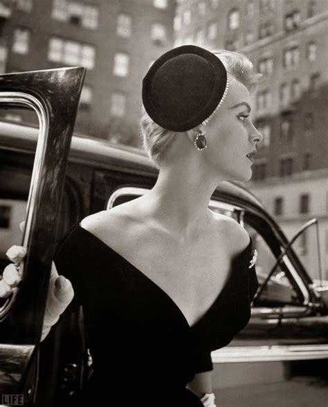 beautiful black  white fashion photography  nina leen