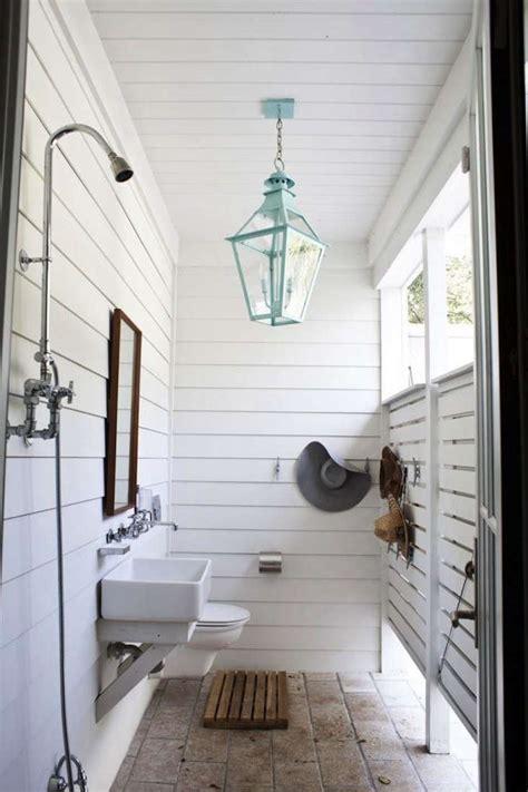 outdoor showers  ideas  bathing en plein air