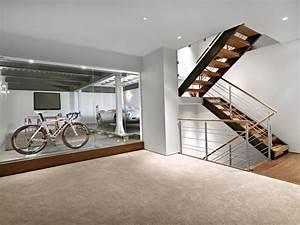 Garage Im Keller : lower garage and stairs modern keller hobbyraum edmonton von habitat studio ~ Markanthonyermac.com Haus und Dekorationen