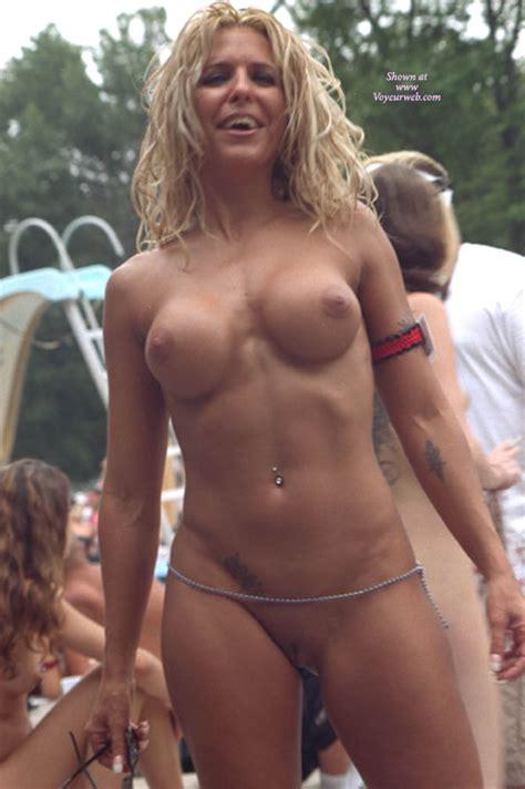 Nudes A Poppin 2003 December 2008 Voyeur Web