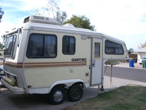 Craigslist One Bedroom by Meet A 30 Year Old Small Fifth Wheel Camper Who Goes By