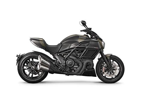 Motocyclette Ducati Diavel Carbon 2018