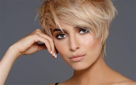 coiffures coupes courtes tendances automne hiver