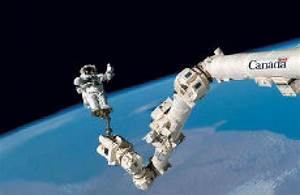 Photoshopped logo on Canadarm2 part of government websites ...