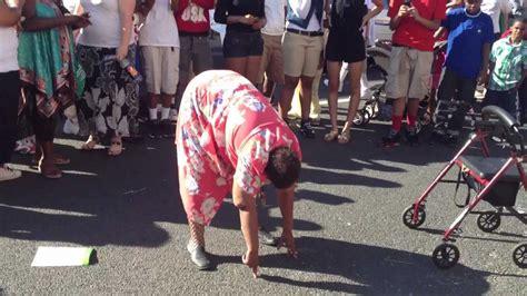 lady dancing dropping    hot