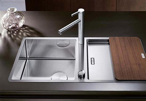 mauvaise odeur canalisation cuisine astuces pour des canalisations qui sentent bon bnbstaging le