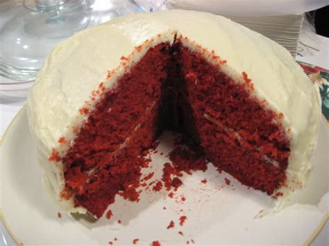 is velvet cake chocolate cake with food coloring velvet cake with white chocolate icing markeeta