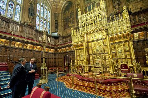 eliminare vescovi  lord dal parlamento inglese riformait