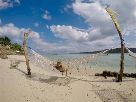hammock chilling  day picture  seabreeze ceningan