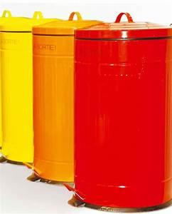Poubelle De Cuisine Pas Cher : poubelle de cuisine a pedale maison design ~ Dailycaller-alerts.com Idées de Décoration