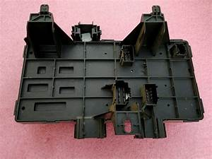 2004 Ford Expedition Fuse Box 4l1t - 14a067 - Ac